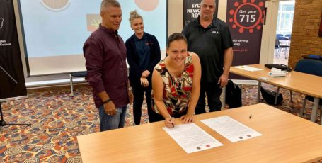 Historic MoU signing between Awabakal and Biraban LALC